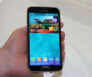 Samsung Galaxy K (S5) Zoom Allegedly Emerges Online
