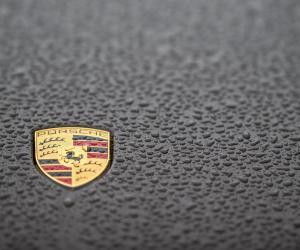 Porsche to Upgrade All Windows 7 PCs to Windows 10