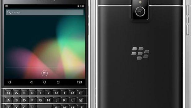 BlackBerry Passport Silver Edition Caught on Video Running