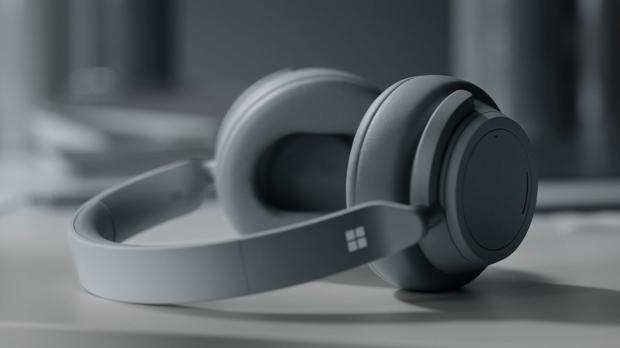 Microsoft's Surface Headphones have just received their very first firmware update, as the software giant works on refining the experience with the device and fixing some of the bugs reported by users.