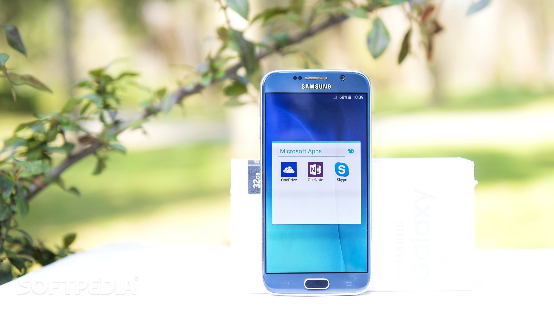 AT&T and Verizon Remove Microsoft Apps from Galaxy S6