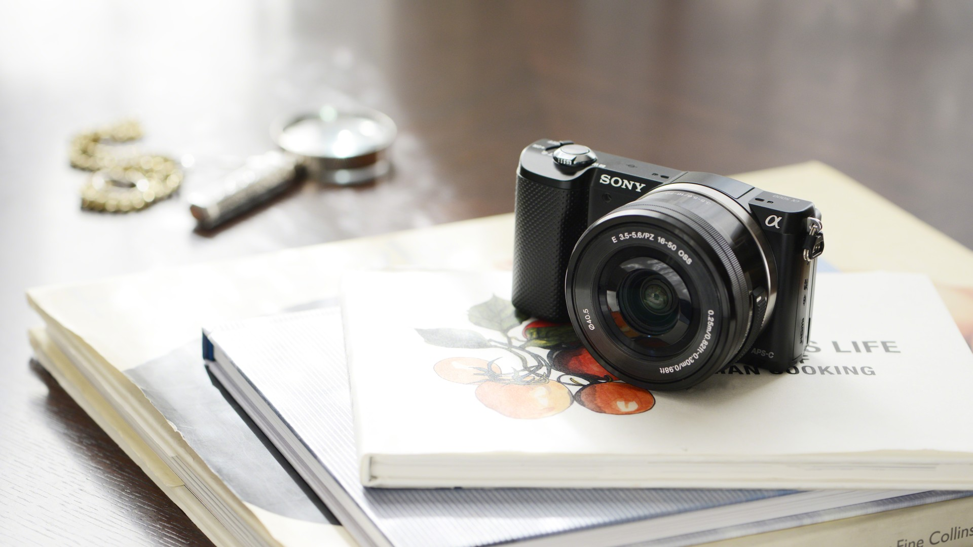 Ces 2014 Sony A5000 Is Worlds Smallest And Lightest Mirrorless Wi