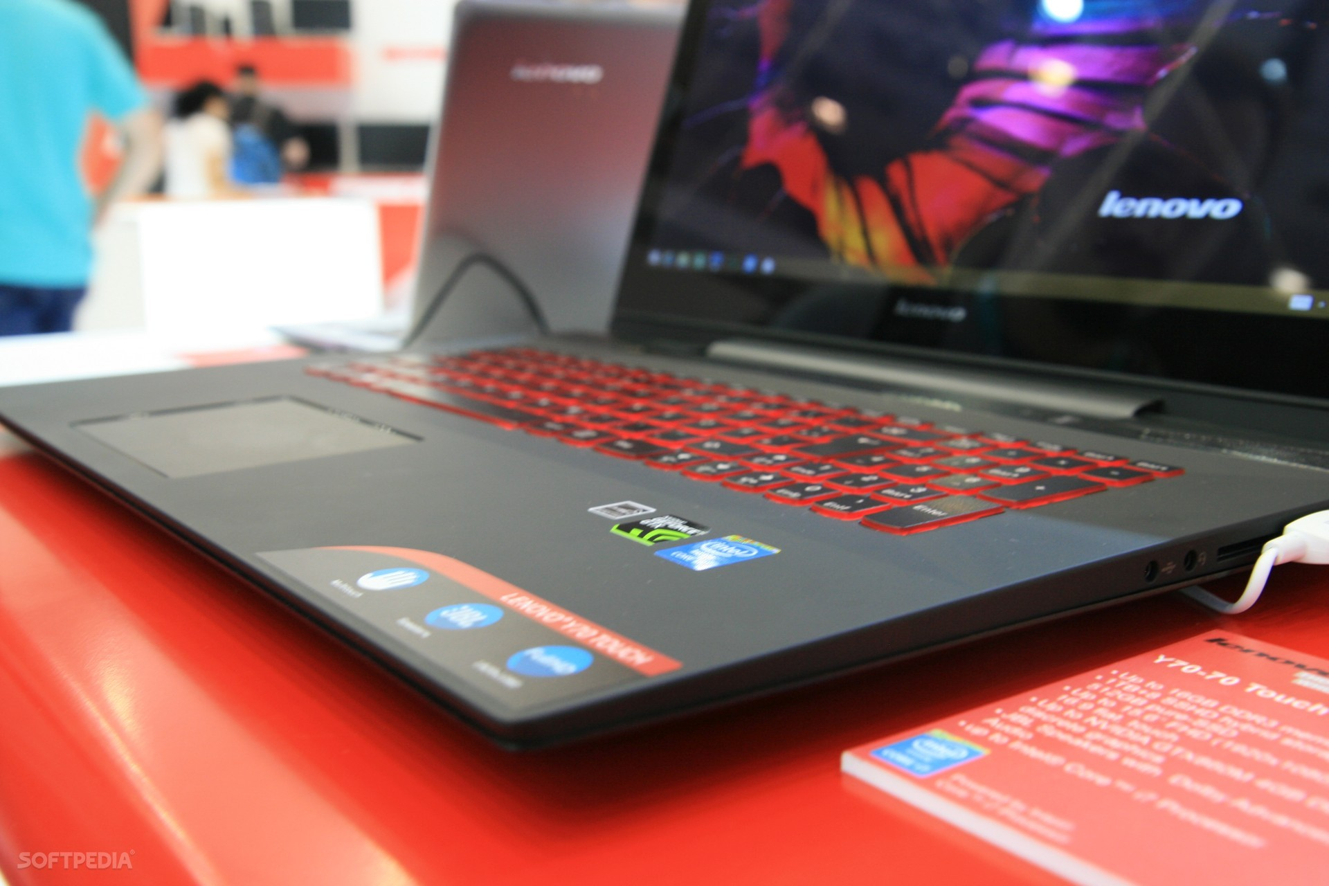 Hands-On  Lenovo IdeaPad Y70 Gaming Laptop with Touch Screen ee32f28766