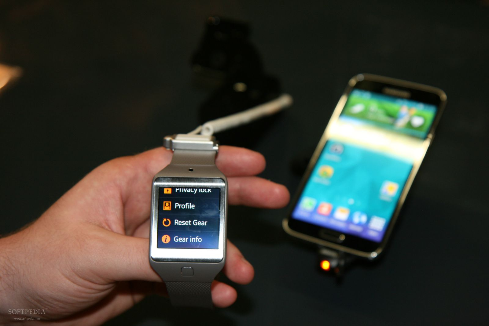 Hands-On: Samsung's Gear 2 and Gear 2 Neo