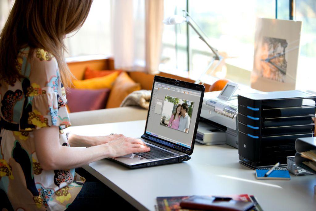 Sagetv supports windows home server.