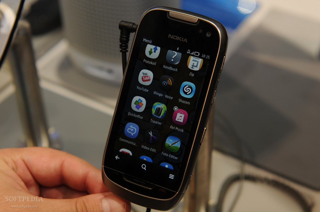 IFA 2011: Nokia 700 and Nokia 701 Hands-On
