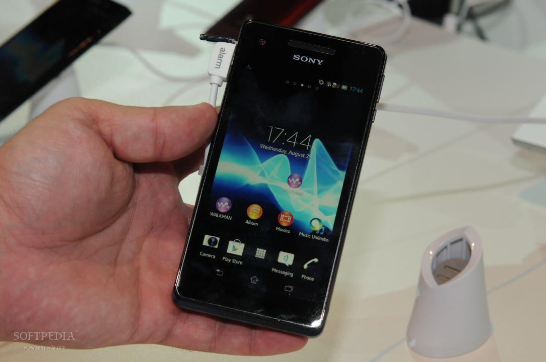 IFA 2012: Sony Xperia V Hands-On
