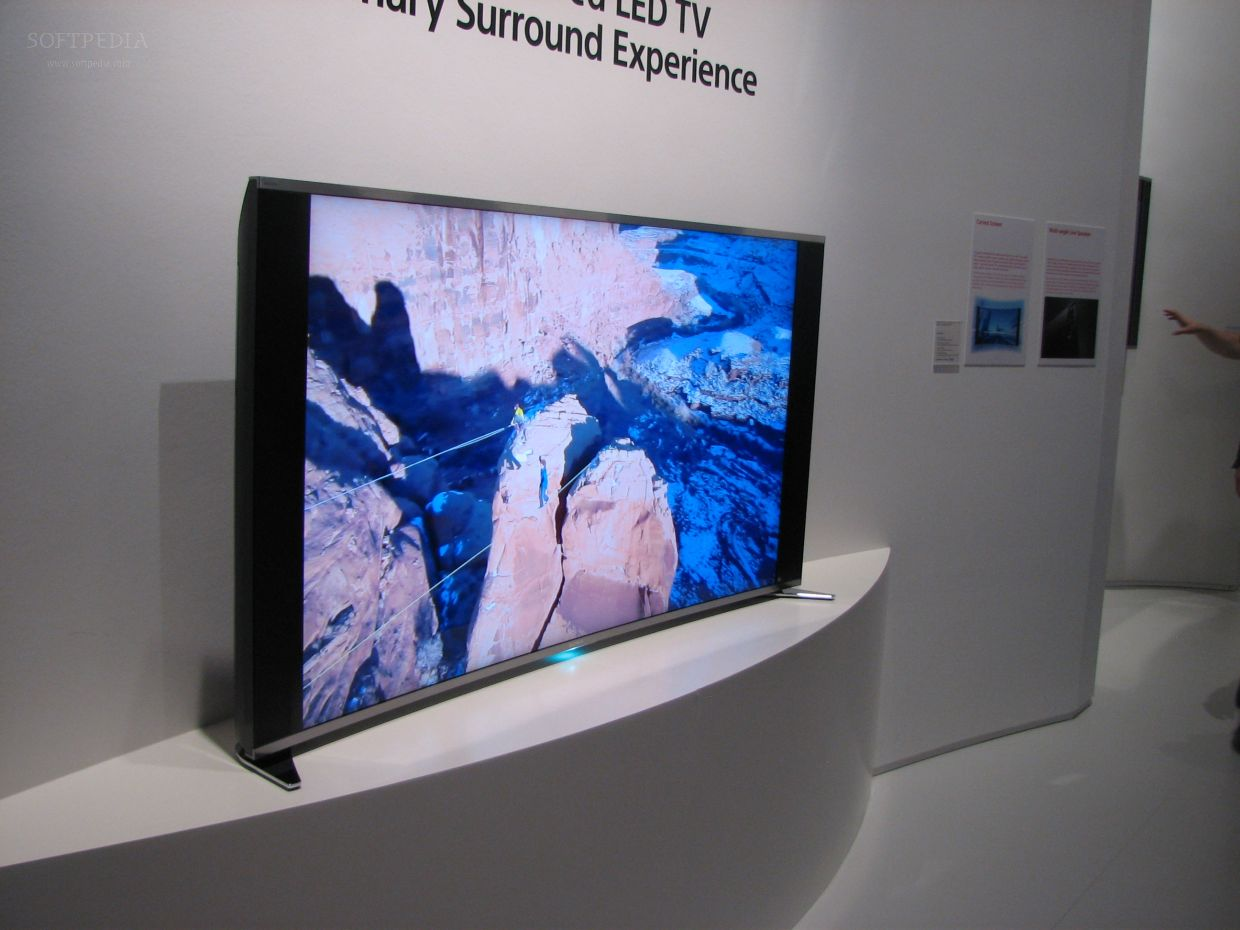 IFA 2013: 65-Inch Sony Curved LED LCD TV with Triluminous Technology