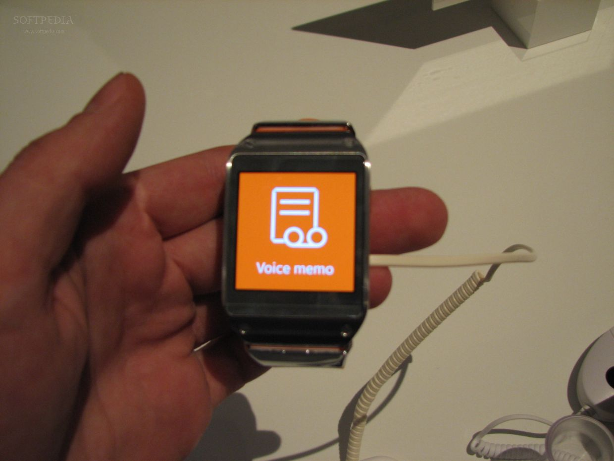 News From IFA: Hands-On About The Smartwatch Samsung Galaxy Gear