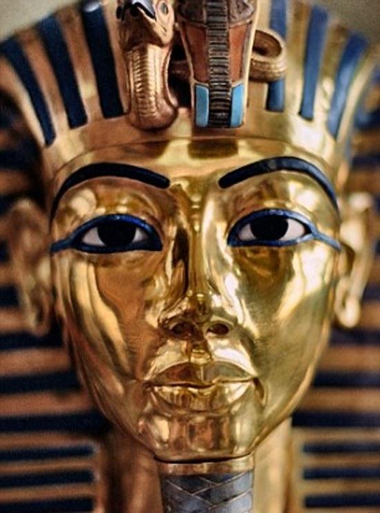 king tutankhamun was a child of incest had a club foot. Black Bedroom Furniture Sets. Home Design Ideas