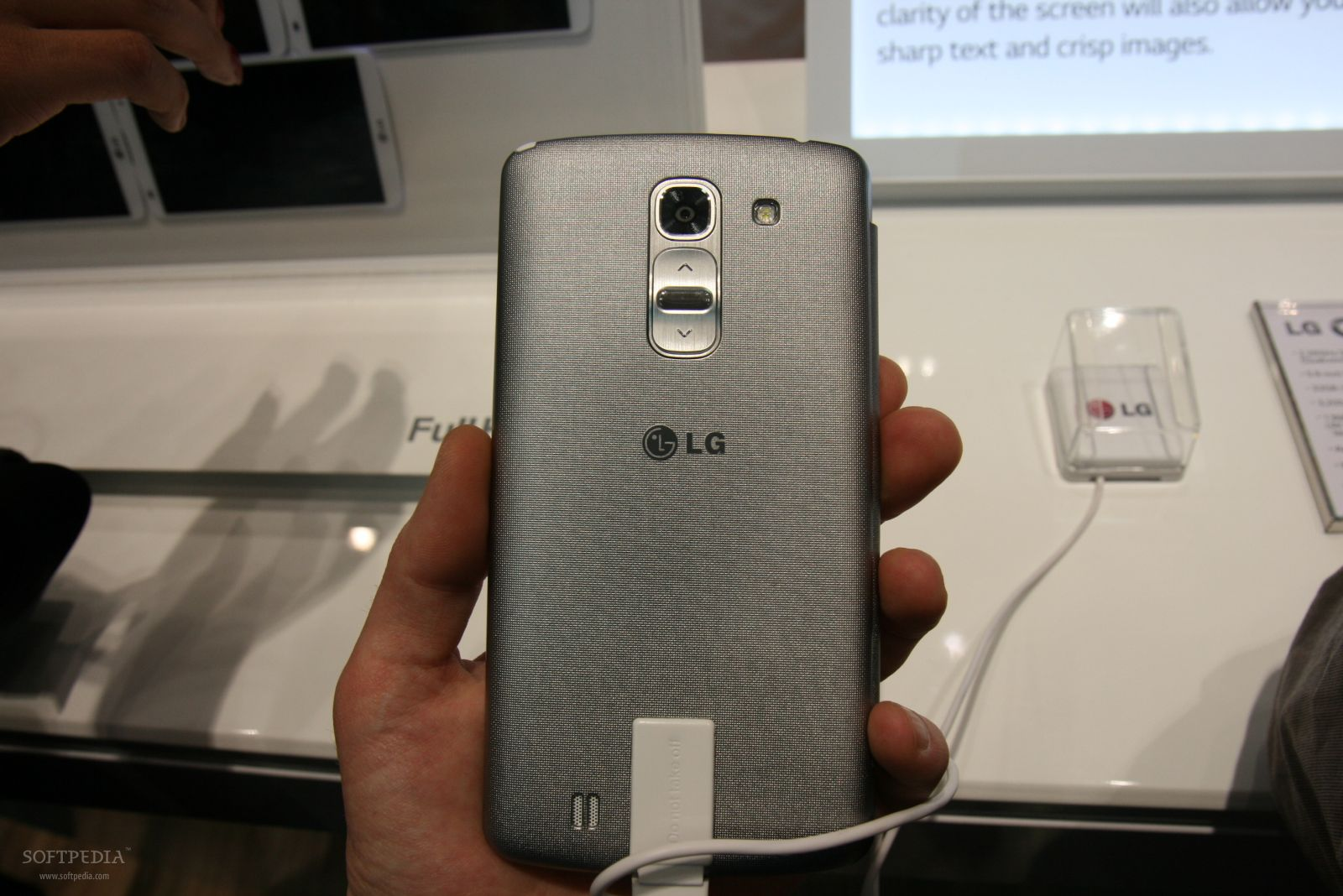 LG G3 Expected to Arrive in June, Sample Image Leaks Online
