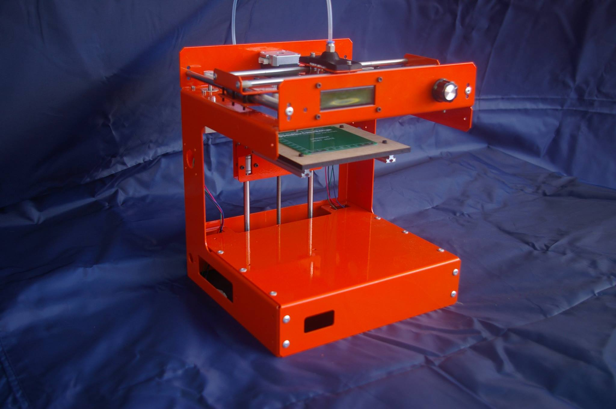 Man Creates Cheap 3D Printer out of Sheet Metal for South Africa