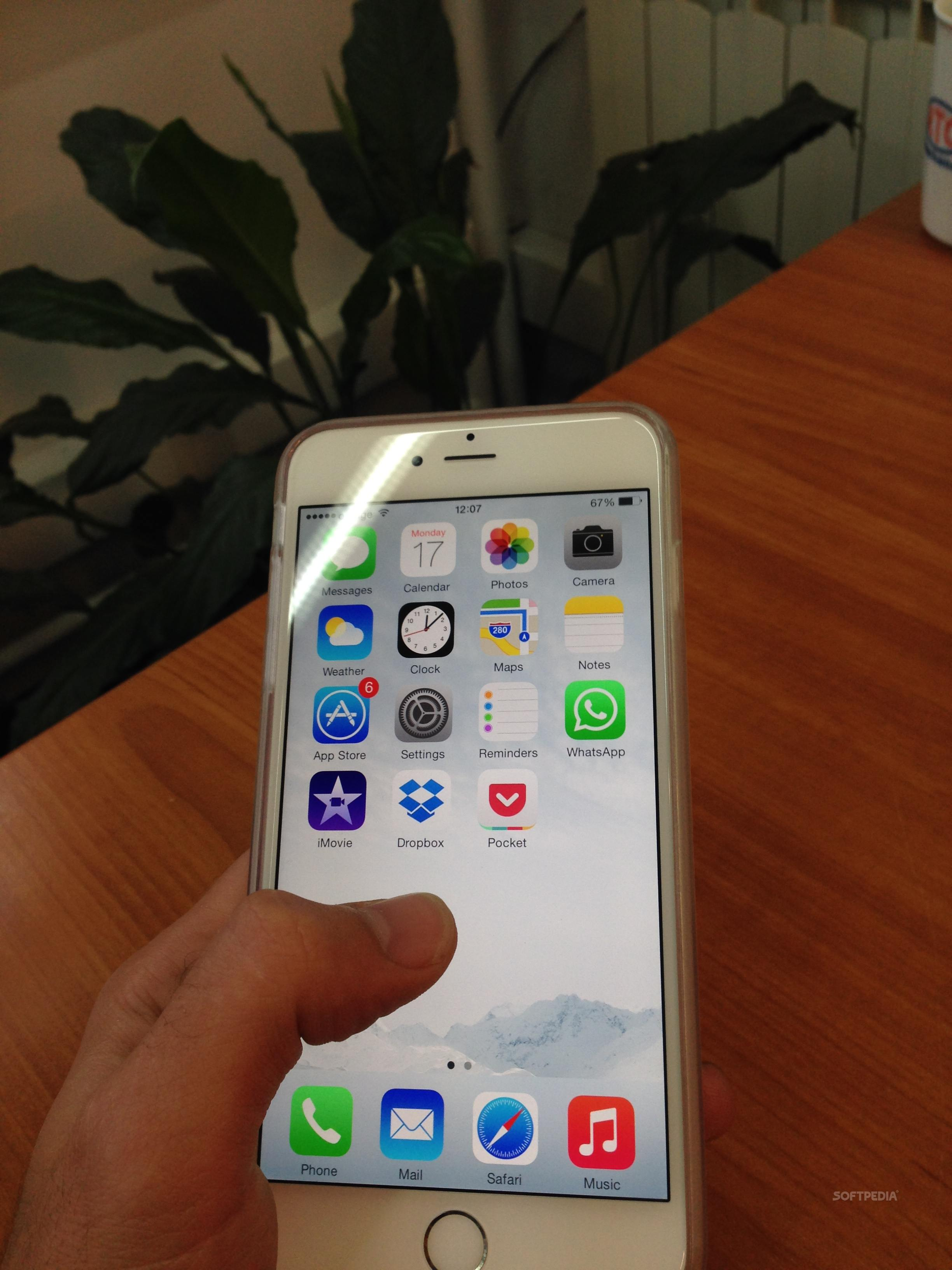 small hands  iphone 6 plus is out of your league