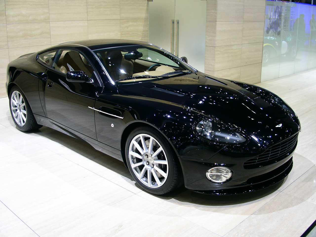 ... Aston Martin V12 Vanquish S