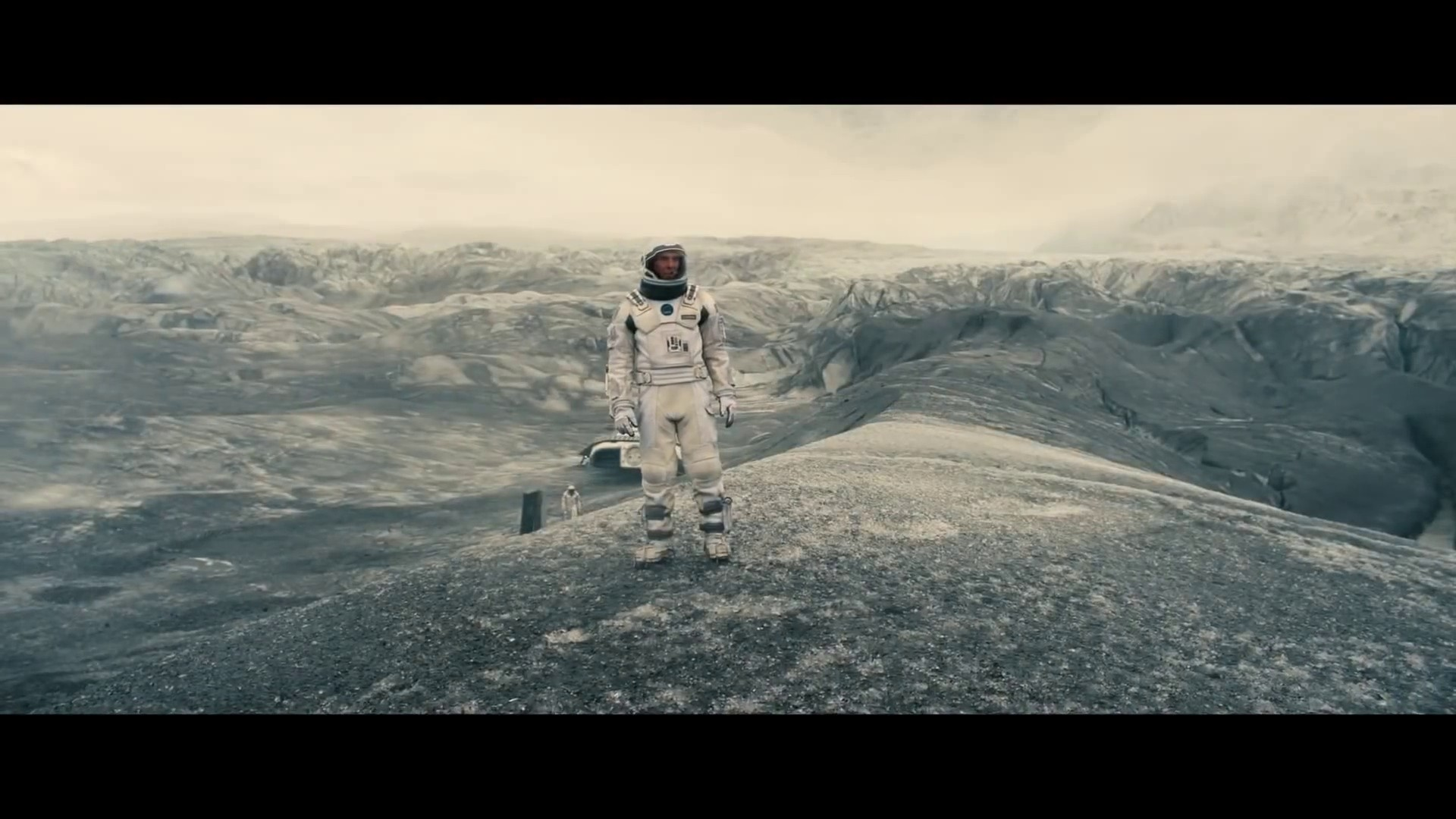 wormhole in interstellar movie designed with a linux os