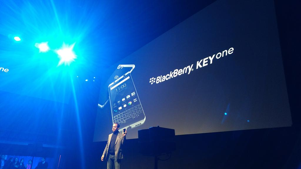 BlackBerry Officially Unveils KEYone with QWERTY Keyboard and $549