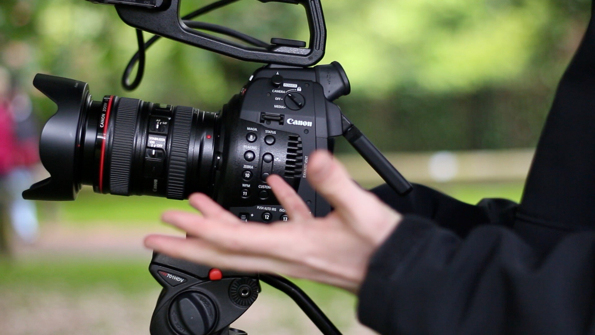 Canon cinema eos c100 and c300 daf models receive firmware 2. 1. 6. 1. 00.