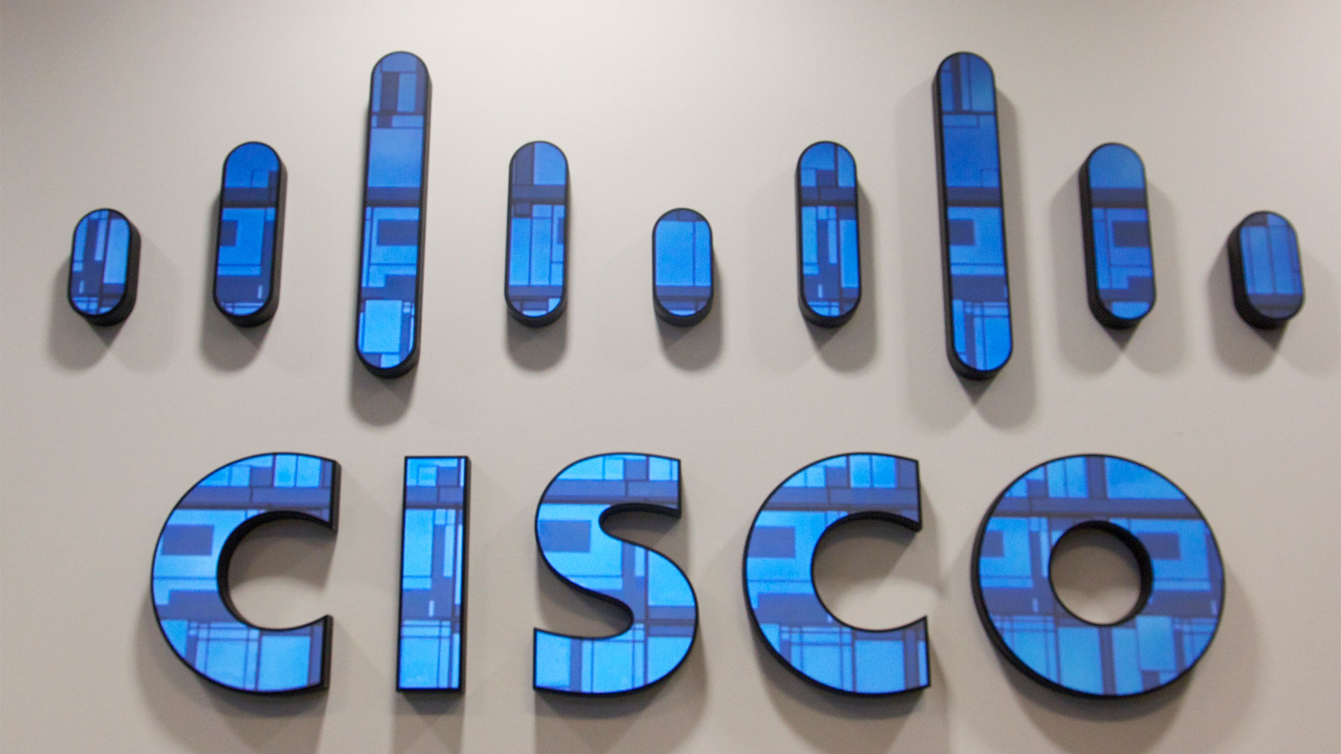 Cisco Video Surveillance Manager Allows Attackers to Login