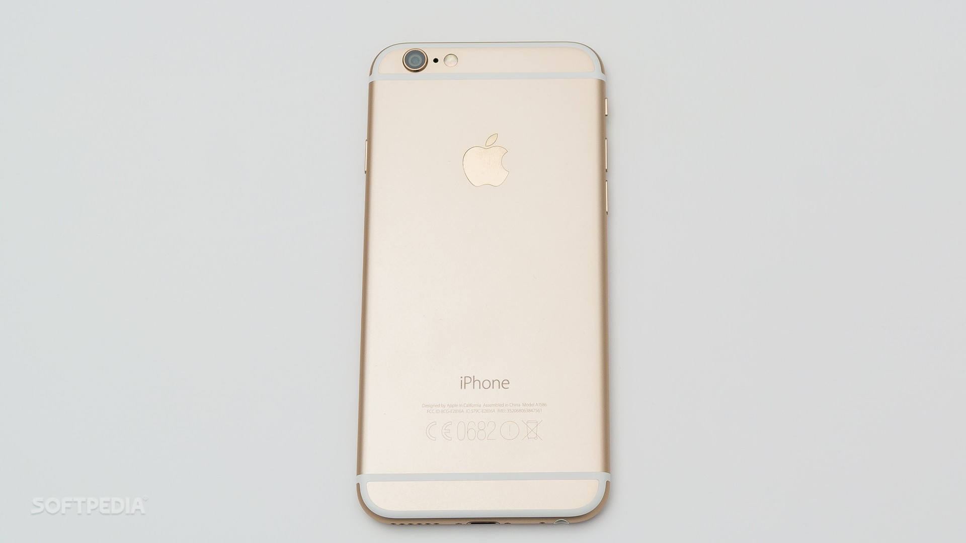 4ea9e15a51e Don t Laugh  Three-Years-Old iPhone 6 with 32GB Launches in the UK