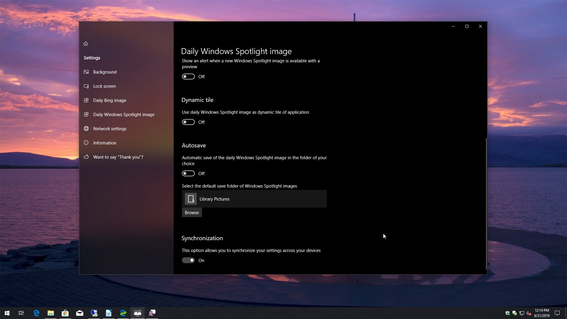 Dynamic Theme for Windows 10 Review