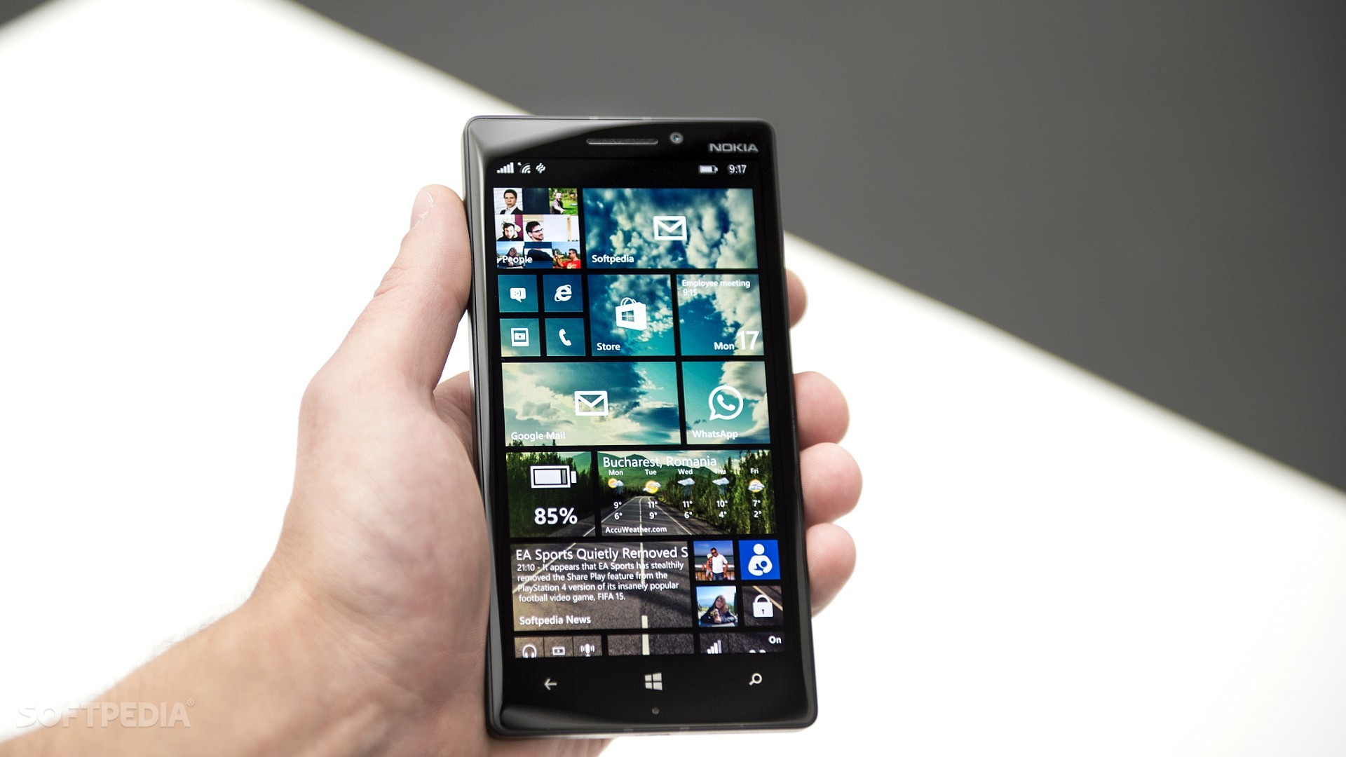 Facebook for Windows Phone 8.1 Stops Working Indefinitely