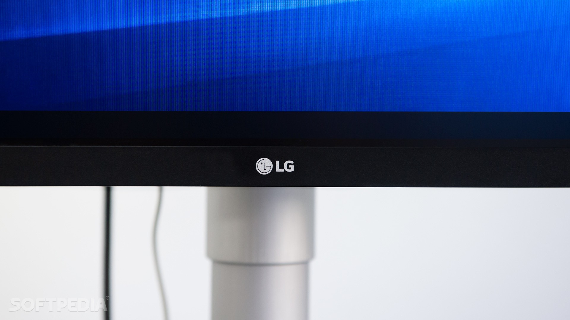 LG 34WK650-W Ultra-Wide Monitor Review - Value and Quality