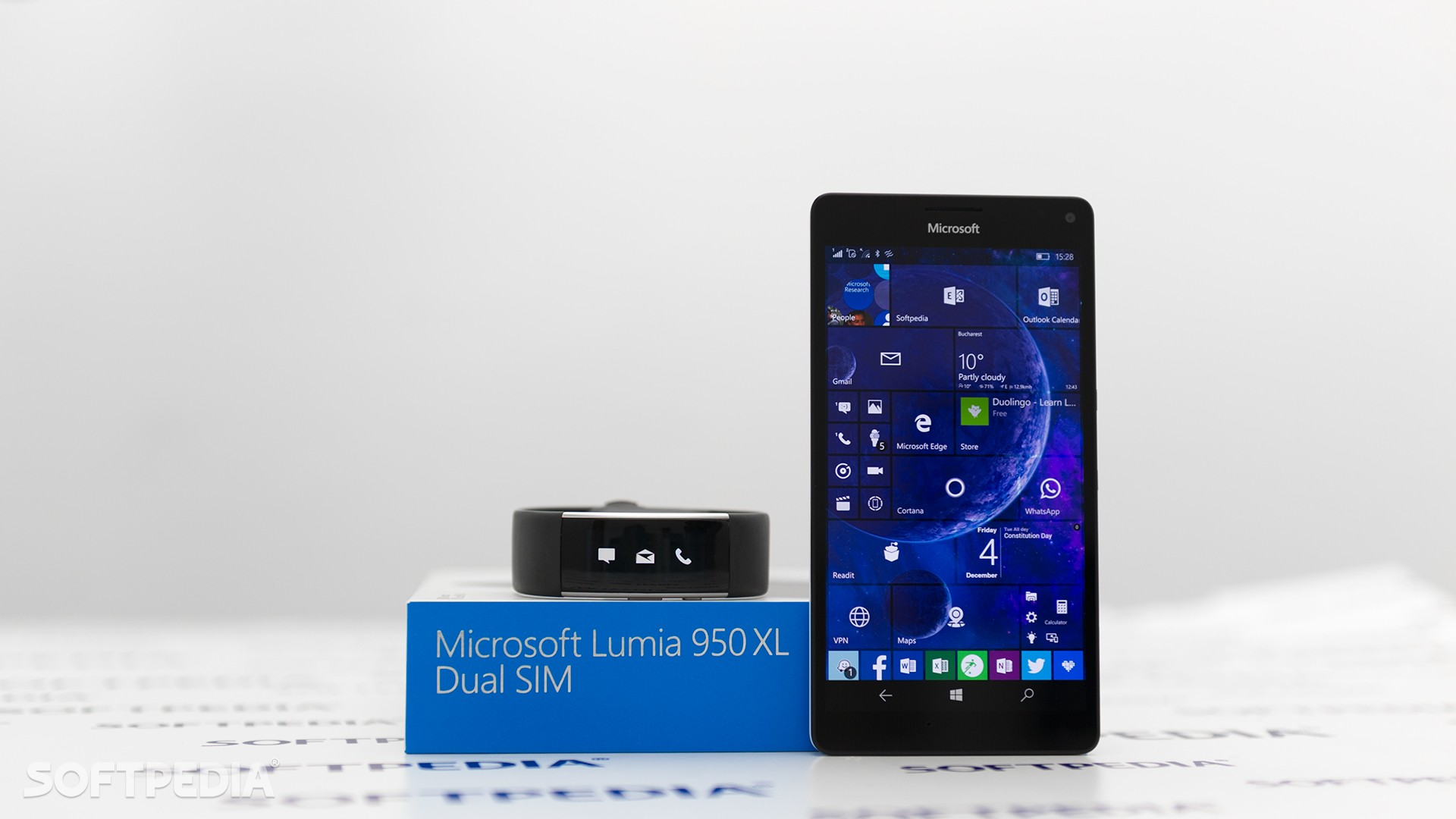 Microsoft Makes Subtle Changes to Windows 10 Mobile Hardware