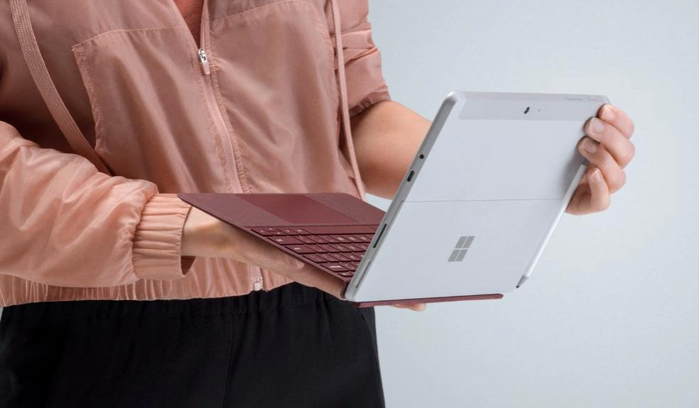 Microsoft Releases Firmware Update for Surface Go on Windows