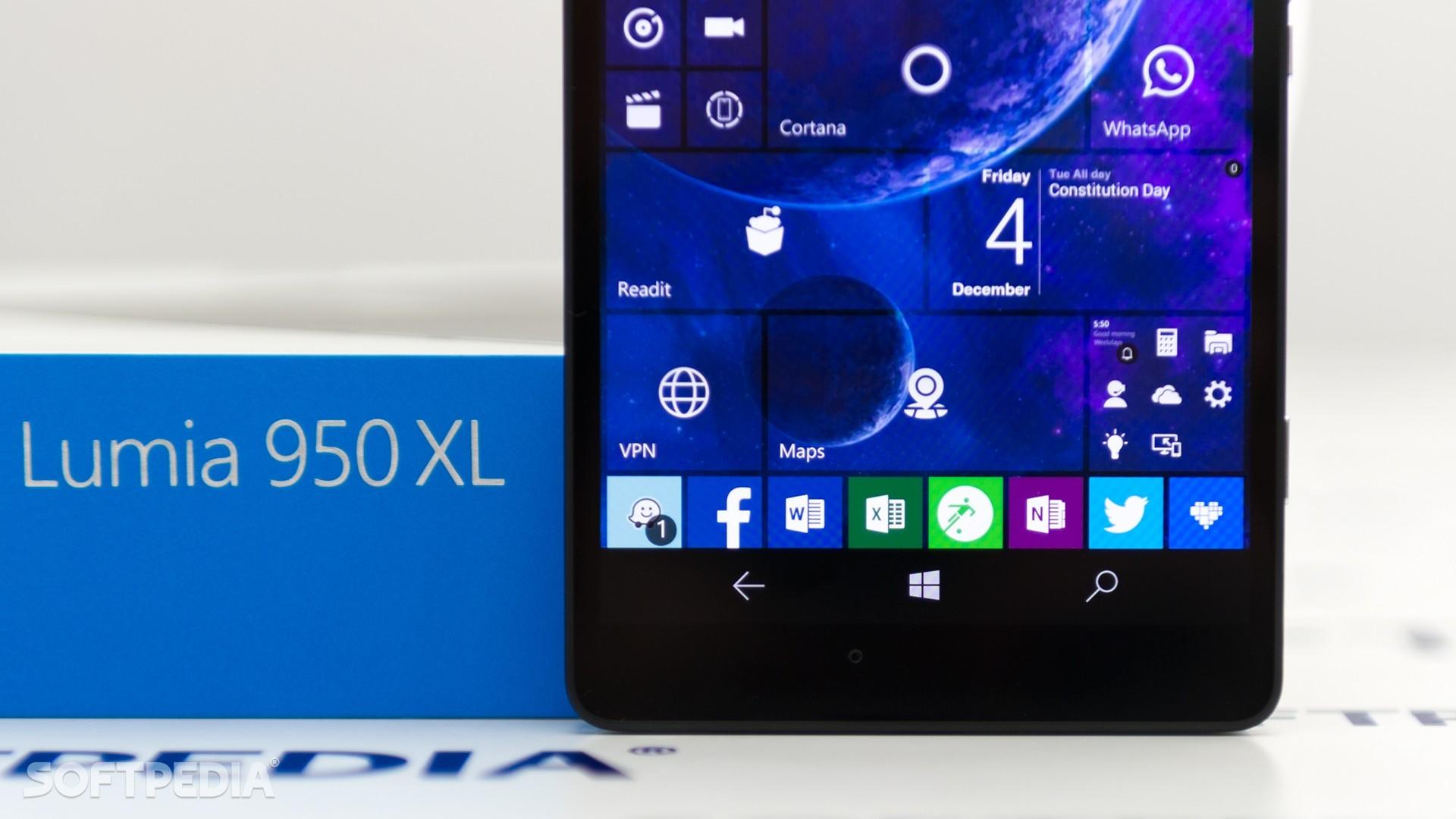 Microsoft to Discontinue Windows 10 Mobile FM Radio App