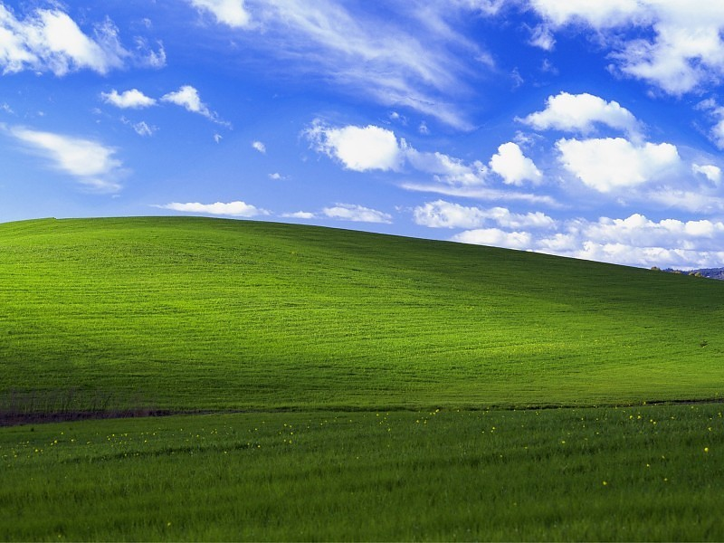 The Original Bliss Wallpaper In Windows XP