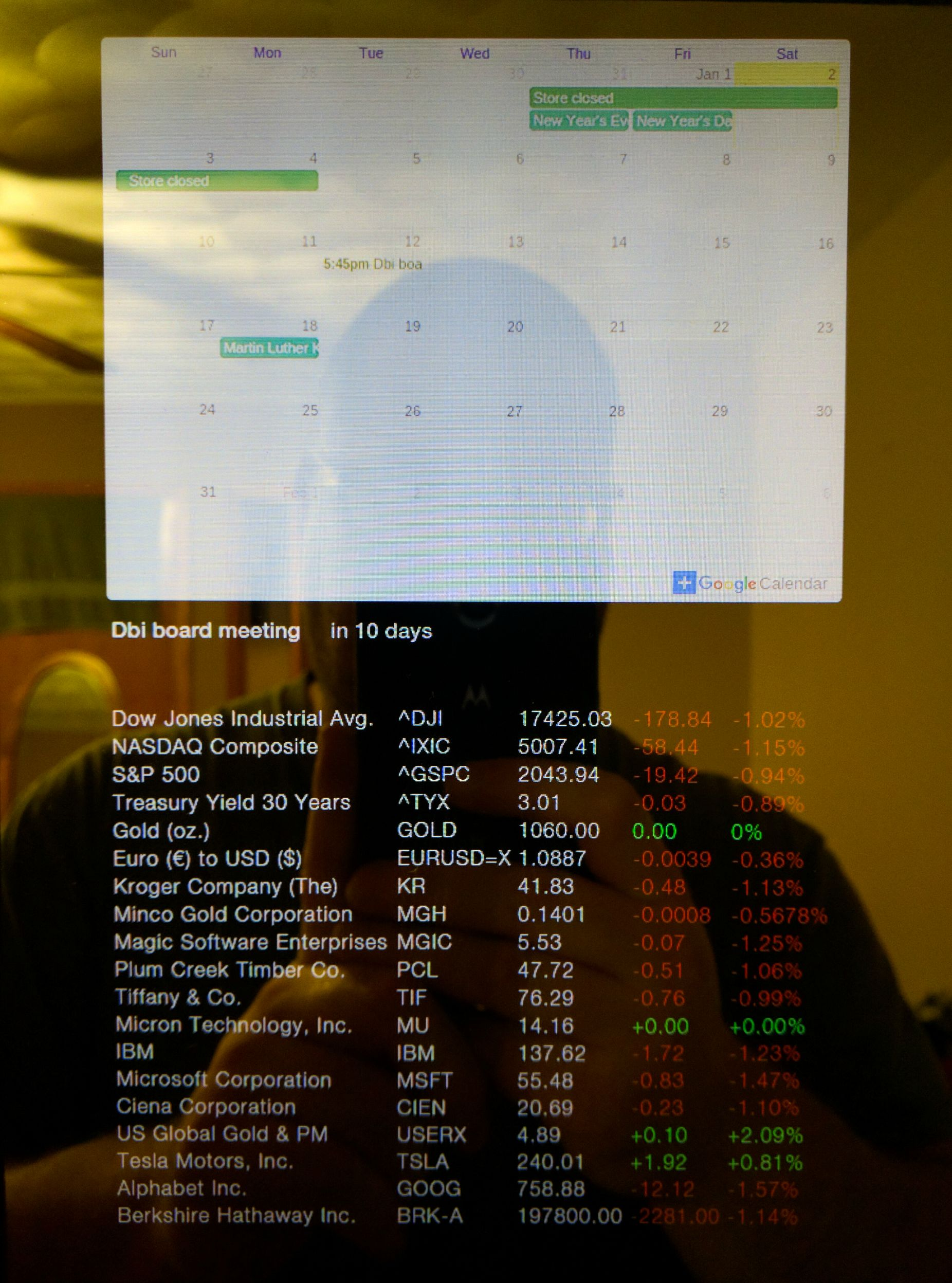 ubuntu mate spotted on a raspberry pi 2 powered 4k diy magic mirror